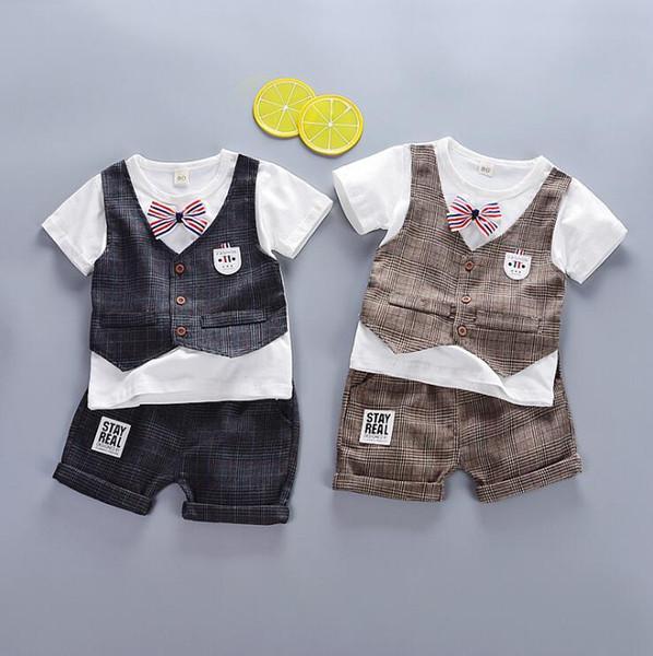 Nova Summer Cavalheiros Versão 2019 Dois Miúdos Terno com Big Checkered Bebés de 1-4 Anos de Idade e Falso Três Short-sleeved Shorts
