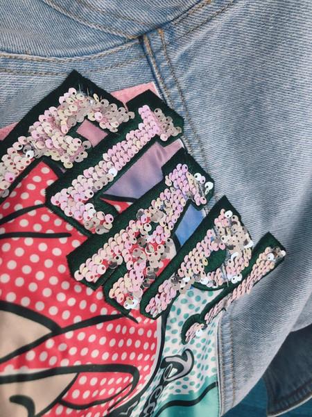 Giacca di jeans Ragazza Nuova moda Icone classiche di cartone animato Risvolto di stile Bambini lunghi Primavera Autunno Ricamo fiore cappotto caldo per bambini