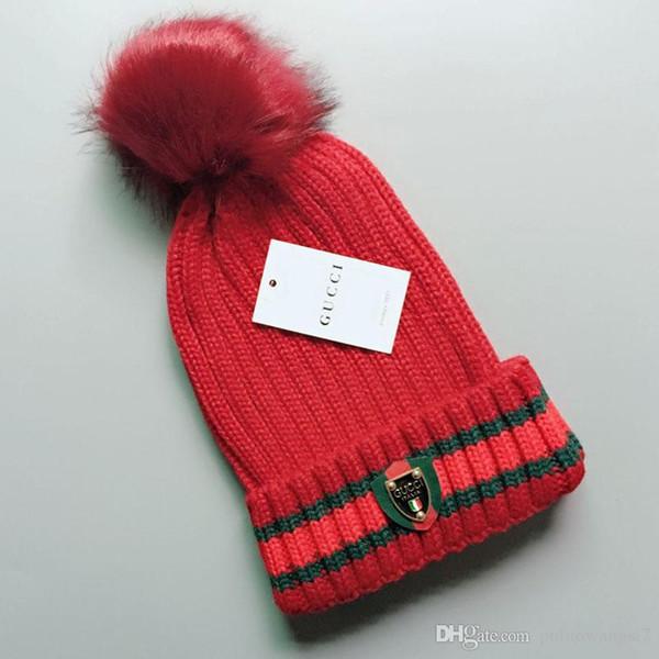 2019 Nouveau HotChristmas cadeau pour les amoureux Haute qualité vente Mode Unisexe Hiver marque hommes bonnet Bonnet femmes Casual Beanie Crâne Caps