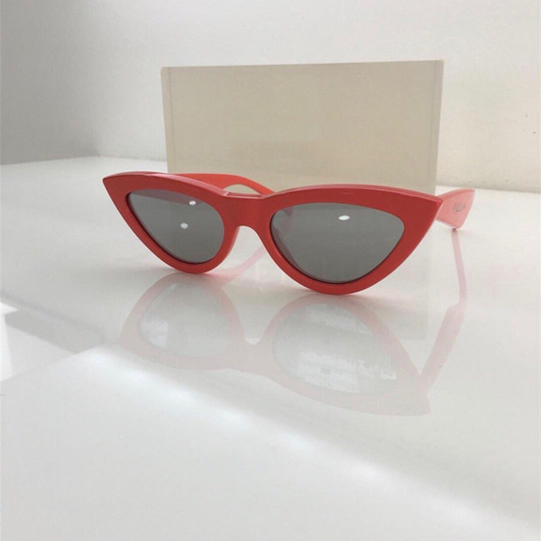 2019 New Sunglasses for Ladies Famous Designer Small Frame Charming Glasses High Quality UV Protection Cat Eye Sunglasses with Package