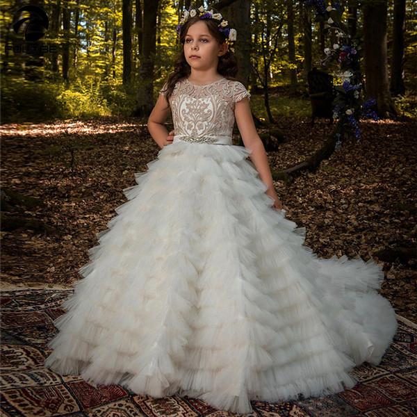 Balo Kabarık Çiçek Kız Düğünler için Elbiseler Yüksek Kaliteli Dantel Aplikler Boncuk Kısa Kollu Katmanlı ilk komünyonu Gowns