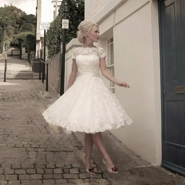 Plus size Scoop Knee-Length Wedding Dresses Cheap See through Lace Short Wedding Gowns Back Pretty Appliques Bridal Gowns Custom Made