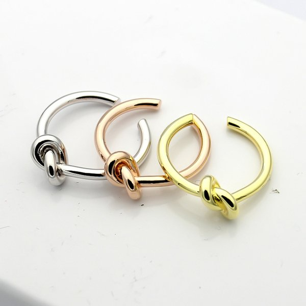 Haute qualité mode bijoux en acier au titane noué ouvert bagues anneaux plaqué or 18k anneaux de fiançailles pour les femmes