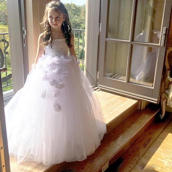 Encantador vestido de bola de encaje Vestidos de niña de flores para la boda Vestido de fiesta con apliques en 3D Vestidos de tul tren con lentejuelas para niños Vestido de fiesta