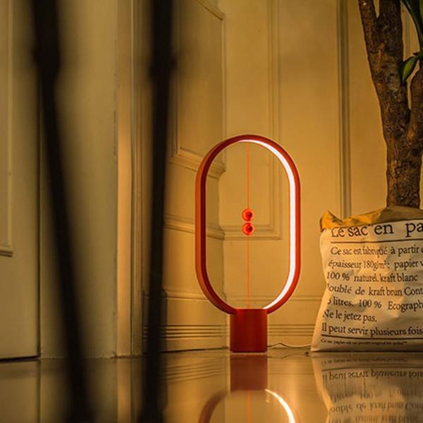 Equilibrio de la lámpara magnética Luces de iluminación inteligente creativa Lámpara de escritorio elipse LED Interruptor de bolas flotantes mágicas Interruptor alimentado por USB Lámparas