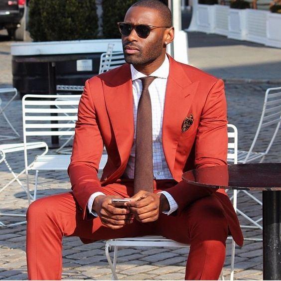Padrinhos populares Peak Lapela Noivo Smoking Um Botão Homens Ternos Casamento / Baile / Jantar Melhor Homem Blazer (Jaqueta + calça + gravata) G160