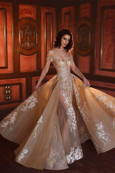 2019 Ouro Sereia Overskirt Vestidos de Noite Fora Do Ombro Rendas Appliqued Vestido de Baile Trem Da Varredura Ver Através Frisado Formal Vestidos