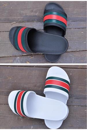 Sıcak Satış Lüks Marka Tasarımcısı Erkekler Yaz Kauçuk Sandalet Plaj Slayt Moda Scuffs Terlik Kapalı Ayakkabı Boyutu Euro 40-45
