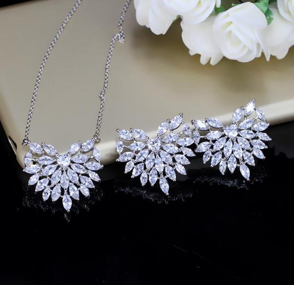 Nueva Moda Corazón Diseño Stud Pendientes Conjunto Colgante Crystal Zirconia Marca Collar Pendiente Conjunto para Mujeres y Niña KI033