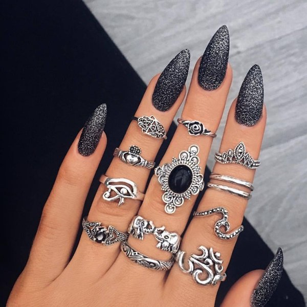Fashion New Female Retro Ancient Silver Palm Carved Elephant Black Gem Joint Ring Combination For Women's Jewelry Hot Sale
