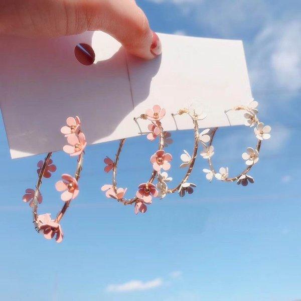 Boucles d'oreilles de cerceau de fleur simples pour femmes 2021 Nouveau Chic Sweet Big Circle Boucles d'oreilles Boucles d'oreilles De Mariage Bijoux Bijoux
