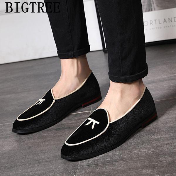 Erkek elbise ayakkabı 2019 kadife loafer'lar erkek zarif ayakkabılar erkekler resmi kuaför chaussure homme zapatos charol hombre ayakkab