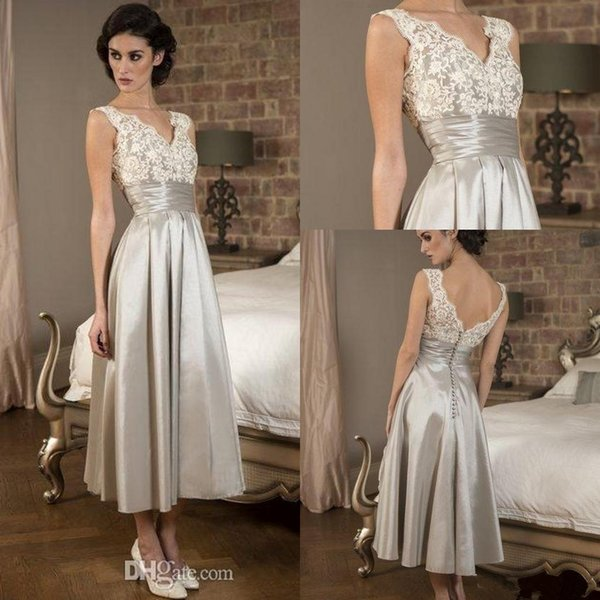 Silver Mother Of Bride Dresses Vintage Plus Size Lace V Neck Backless Ruffles Applique Party Dress For Special Occasion Robe De Soiree