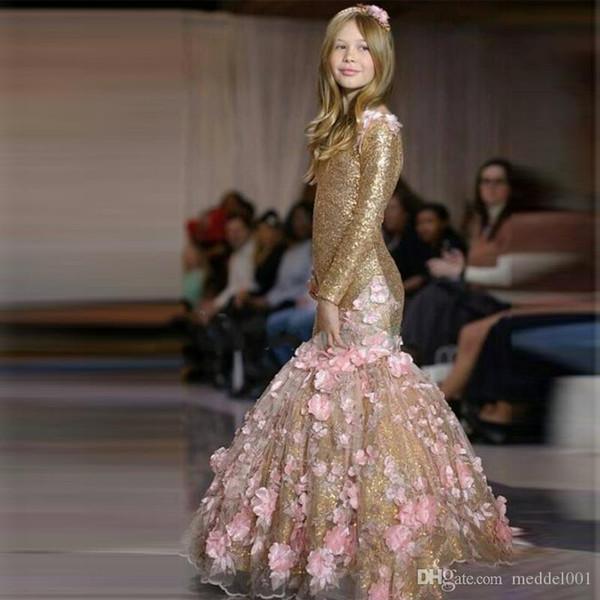 2020 Altın Payetli Mermaid Kızlar Pageant elbise Jewel Boyun Uzun Kollu Pembe 3D Çiçekler Sweep Tren Çocuklar Çiçek Kız Elbise Doğum Günü törenlerinde