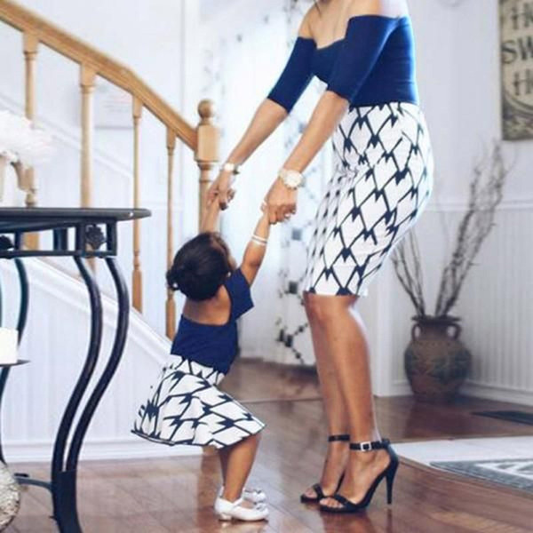 Summer Mother Daughter Dresses Off Shoulder Geometry Plaid Long Dress Family Matching Clothes Mommy and Me Clothing Family Look Dress 2019