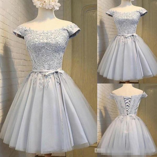 Compre 2019 Gris Plateado Vestidos Cortos Para Damas De Honor Vestidos Con Cuello En La Parte Superior Fajín De Encaje Estilo Rural Invitado De Boda