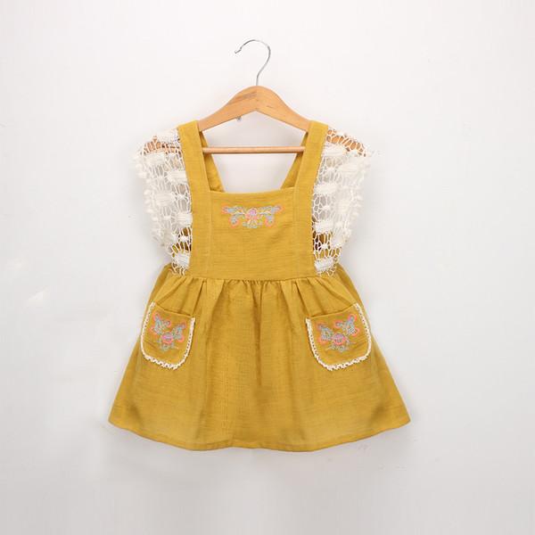 2019 New girls cotton linen dress baby kids lace crochet falbala fly sleeve princess dress childfloral embroidery double pocket dress F2683