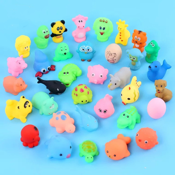 INS reloj Wholesale Baby Bath Toys Shower Water Floating Squeaky Yellow Ducks Cute Animal Baby Shower Toys Rubber Water Toys Free Shipping
