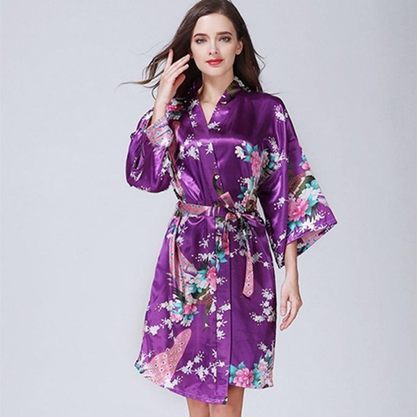 De color púrpura oscuro