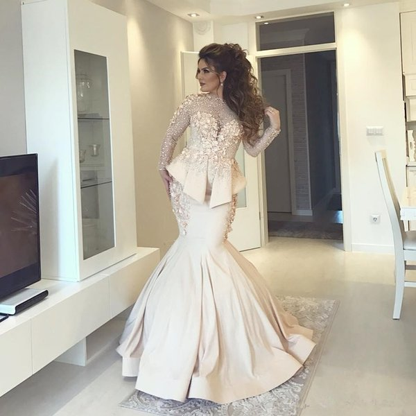 Champagne Mermaid Plus Size Evening Formal Dresses with Peplum 2019 Lace Floral Stain Long Sleeve Dubai Arabic Occasion Prom Gowns