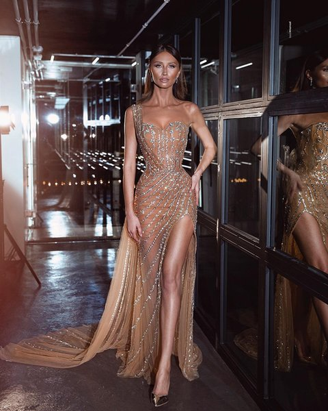 Champagne Sparkly Sexy 2019 Evening Dresses One Shoulder Beaded Sequins Sheath Prom Dresses Tulle Formal Party Pageant Gowns