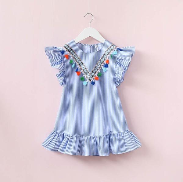 2019 Bébés Filles Robe à rayures verticales Enfants Été Manches Volantes Décolleté Gland Lotus Feuille Bord Une Ligne Princesse Robes Enfants Vêtements