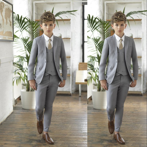 2019 Gray Boy Tuxedos For Wedding Notched Lapel One Button Boy Formal Wear Kids Suit for Prom Party Three Pieces(Jacket+Pants+Bow+Vest)