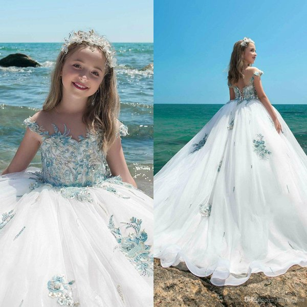 2019 Pretty Flower Girl Dresses For Wedding Sheer Neck Lace Applique Rhinestones Kids Designer Clothes Custom Made Girls Pageant Dresses
