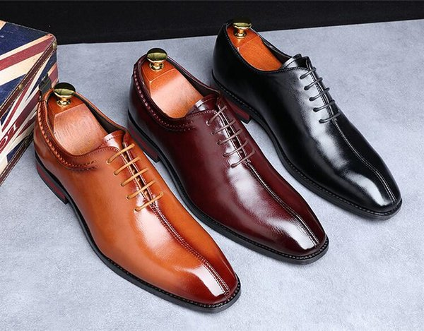 2020 New est Men Dress Shoes Designer Business Office Lace-Up Loafers Casual Driving Shoes Men's Flat Party Leather Shoes 3 Color b60