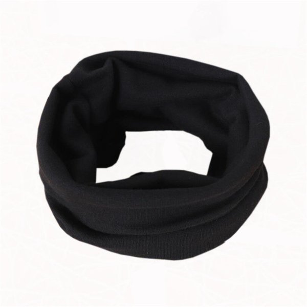 schwarzen Schal
