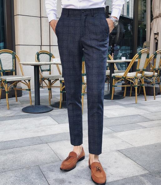 un pantalone blu