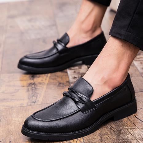 Los zapatos de cuero ocasionales de los hombres de Nueva Inglaterra señalaron resbalón ocasional zapatos Brock retro zapatos de los hombres de alta calidad Zapatos de Hombre