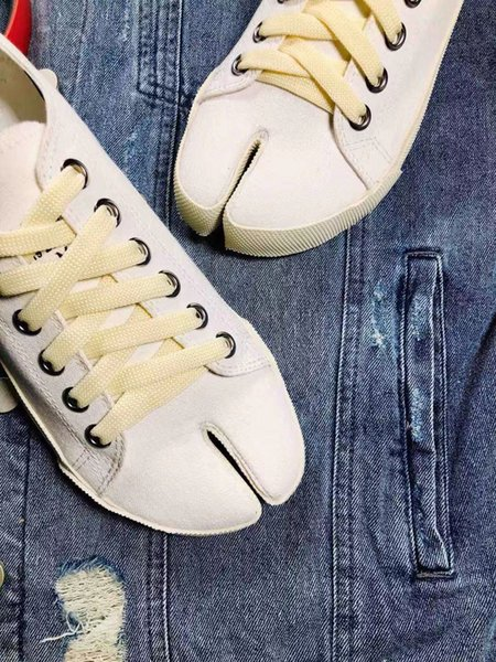 Vorfrühling neue hochwertige Freizeitschuhe Sales Canvas Schuhe, die beliebten Trendpunktzehenschuhe im Frühjahr und Herbst. Luxus atmungsaktiv