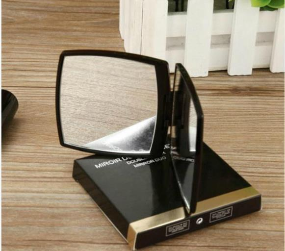 Hot sale! 2019 New Classic High-grade Acrylic Folding double side mirror / Clamshell black Portable makeup mirror + with gift box vip gift