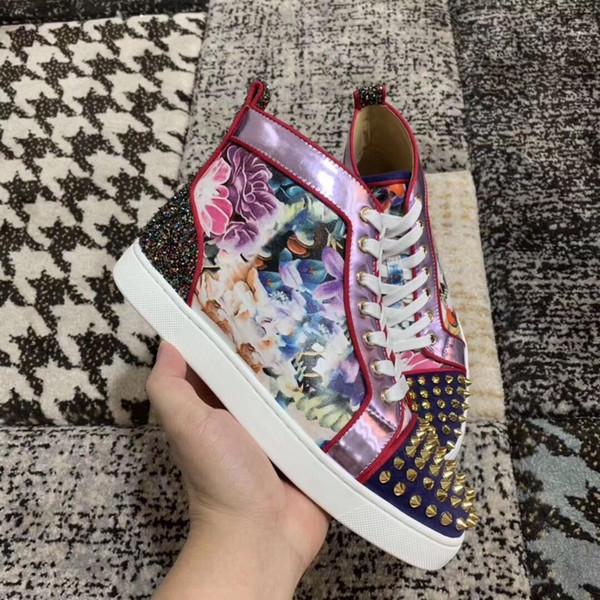 High-top Spikes Sneakers Para Homens Mulheres Andando Plana New-elegante Flor De Couro Studs Casual Andando, Unisex Vermelho Fundo Sapatos de Skate