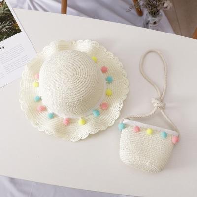 chapeau sac blanc laiteux