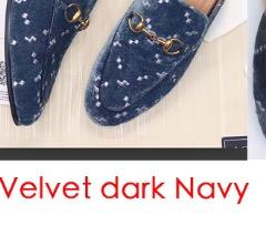 Marinha de veludo escuro