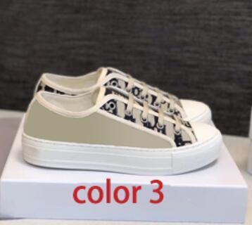 اللون 3.