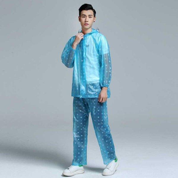 costume bleu clair
