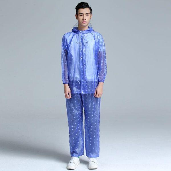 costume bleu foncé