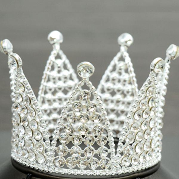 Gümüş tam elmas yuvarlak