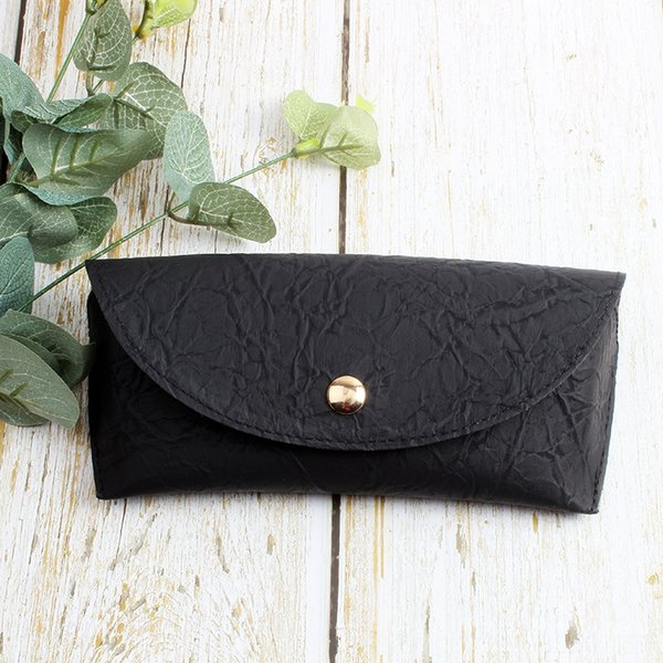 black wrinkle leather box