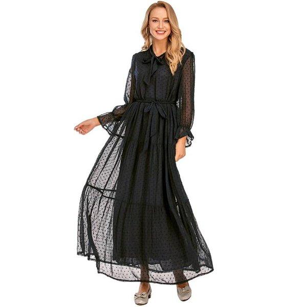 schwarzen Kleid
