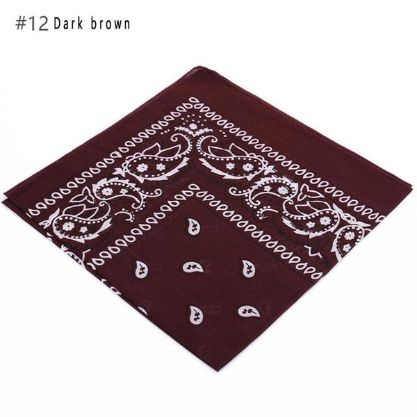 12 brun foncé