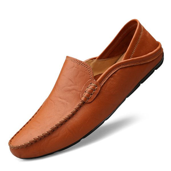 zapatos de los hombres rojos
