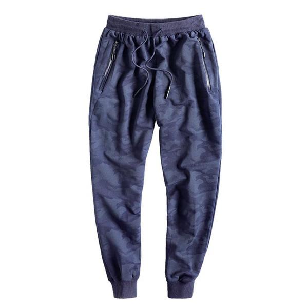 pantaloni della tuta blu