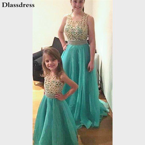 zwei Kleid