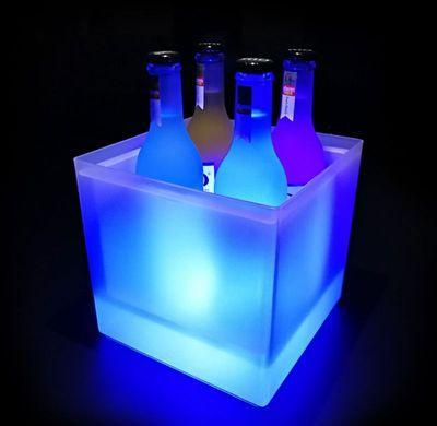 blu colore principale