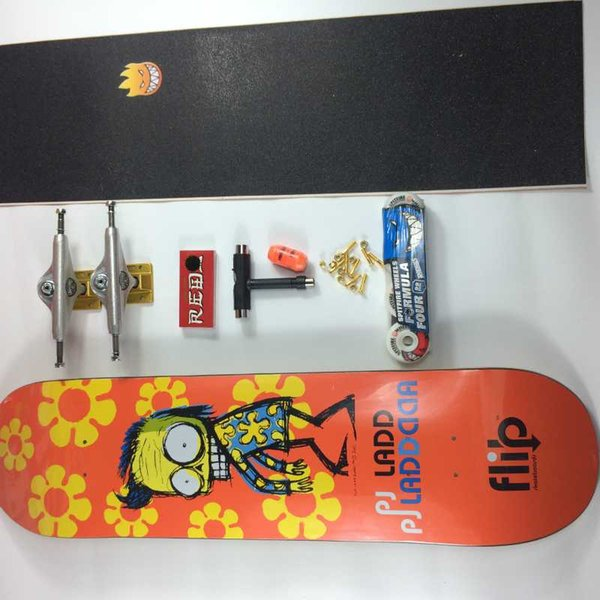 Complete Skateboards - Canada