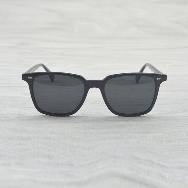 Black VS Gray
